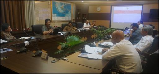 """Suasana Pertemuan Terbatas """"Revitalisasi Lumbung untuk Mendukung Ketahanan dan Kedaulatan Pangan""""  (28/06/2016)"""